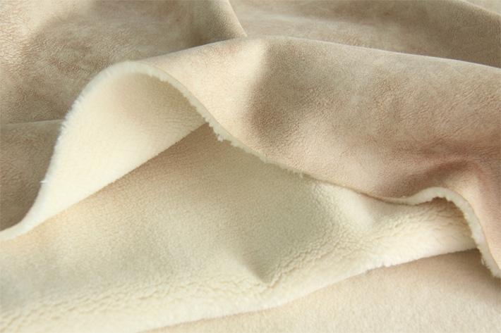 麂皮绒羊羔毛面料,厚实展示