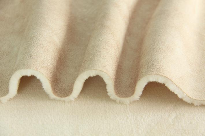 麂皮绒羊羔毛外套面料-厚度展示