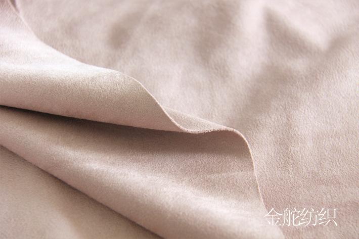 厚度展示,克重较高,布料整体厚实。