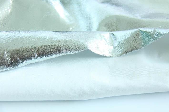 经编麂皮绒烫银底布纹理效果